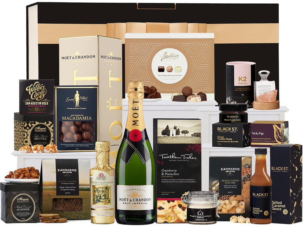 Ultimate Foodies with Moët Hamper