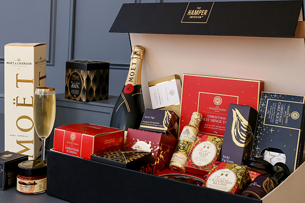 How To Send Luxury Hampers to Australia This Christmas
